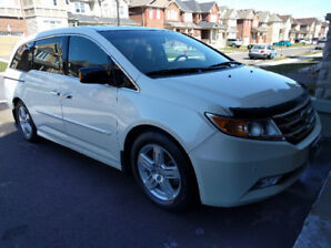 Clean 2012 Honda Odyssey Touring immaculate condition