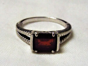 Ladies NVC 925 Sterling Silver Ring with garnet red stone size 9
