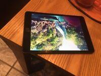 iPad mini 32gb fully working but cracked screen