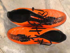 Adidas indoor soccer cleats size 11
