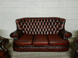 FREE DELIVERY 🚚 Ox blood red chesterfield sofa / chair / couch