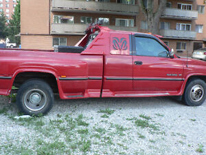 1996 Dodge Power Ram 3500 ST Club Cab 8-ft. Bed 2WD Pickup Truck