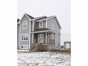 72 HARMONY DR. RIVERVIEW! EXECUTIVE, BEAUTIFULLY FINISHED SEMI!