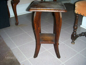 ANTIQUE WOODEN TABLE / PHONE STAND