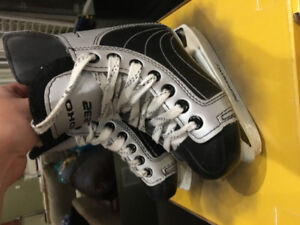 Youth Size 9 Skates
