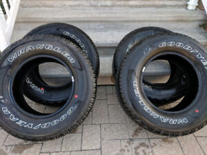 Goodyear Wrangler Fortitude HT 17 pouces 265/70R17 neufs!!