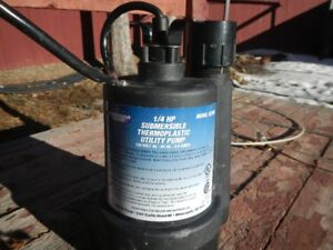 Submersible Sump Pump 1/4 Horsepower with 100ft of drain hose.