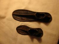 (2) Vintage 1900's cast iron shoe/boot Last Cobbler's Anvils