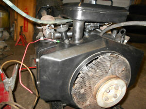 Briggs 18 hp twin opposed eng 4 garden tractor riding lawnmower