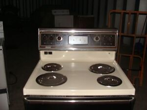 Self cleaning stove in new condition