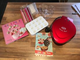 Pop cake maker and accessories