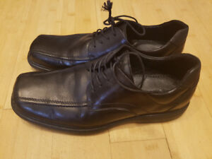 ALDO MEN'S dress shoes used US size 11 great condition