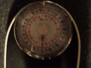DOCTOR QUALITY SCALE ~  KILOS & POUNDS ~ RETRO LOOKING! Windsor Region Ontario image 2