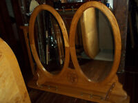 Double oval mirror