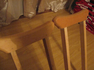 Wooden Crutches....Like New condition. only $10.00 Cambridge Kitchener Area image 3