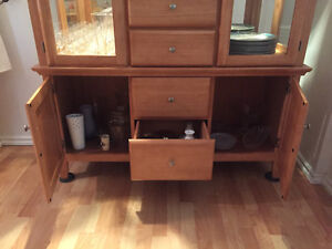 CHINA CABINET Solid Hardwood, Glass Panels, Beautiful Condition