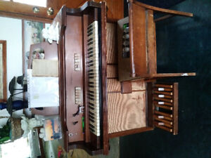ELECTRIC ORGAN. $50