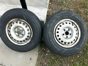 2 Used Goodyear Ultra Grip Winter Tires 215x70R15
