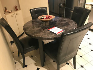 Kitchen table with (4) four chairs