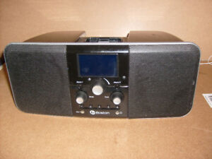 Boston iPod/iPhone Stereo with Radio, Alarm, Auxiliary input