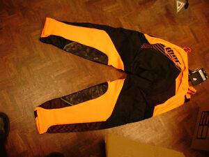 Thor Racing Core Motocross Pants Adult Blow Out Sale Sarnia Sarnia Area image 3