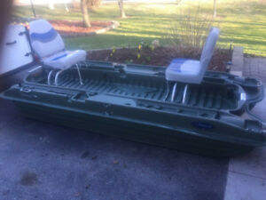 2 Person boat with chairs - great condition