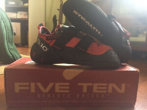 BRAND NEW Climbing Shoes - size 9