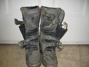 size 4  thor dirt bike boots