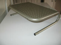 GREAT METAL STAND TO HOLD LAPTOP