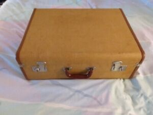 Vintage Suitcase in Excellent Condition