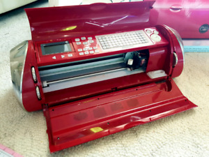 Cricut Cake Machine plus Cartridges