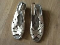 GOLD Sandal Wedge Evening Shoes (used,V.GOOD COND)