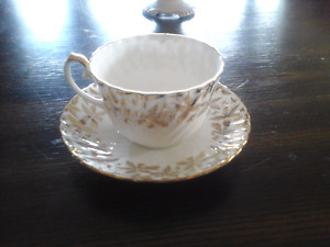 FINE BONE CHINA CUP AND SAUCER, GLADSTONE, ENGLAND