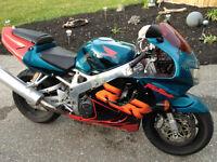 Selling my 1999 Honda CBR 900