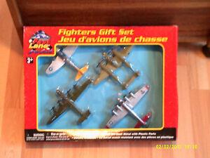 4 avions jouets Fast Lane Die Cast Fighter dans leur boite neuve