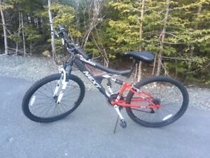 Mountain Bike - Excellent Condition
