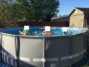 Intex 15' round pool