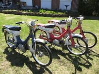 3 scooters Honda PC50.