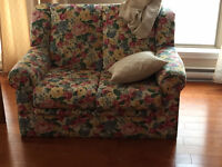 RECLINABLE Love seat!GOOD CONDITION