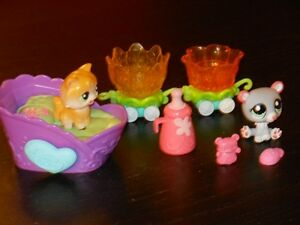 Figurines Littlest Pet Shop en promenade