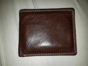 Authentic Fossil wallet MUST GO