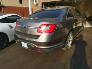 Selling my 2010 ford Taurus SEL limited