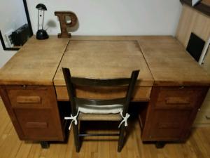 Antique Oak Desk - great storage drawers!