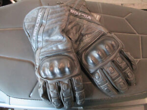 Womens Victory Tour Leather Gloves