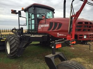 M205 MacDon Westward swather with only 755 hours Moose Jaw Regina Area image 3