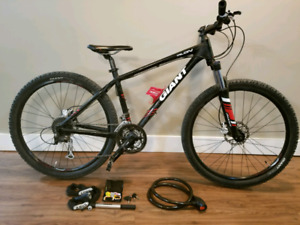Giant Talon bicycle for sale! Tune up done. Well maintained.