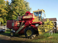 Moissonneuse-batteuse New Holland 985