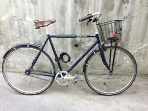 Hardly used Linus single speed cruiser with Brooks and lock cord