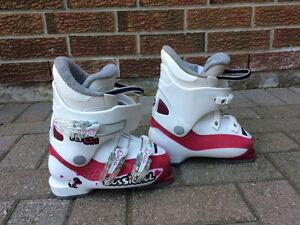 19.5 Mondo - size 11 - 12 childrens Roxy ski boots