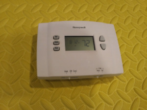 Honeywell Thermostat *Priced to move quickly*